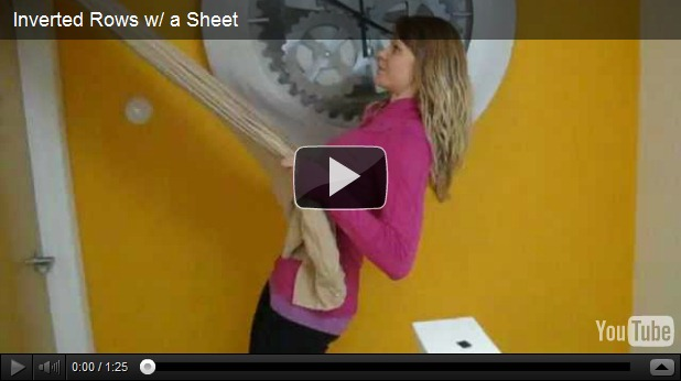 Home Workout: Inverted Rows with a Sheet and a Doorway